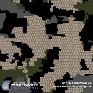 KUIU Verde 2.0 is a new and improved macro camouflage pattern with less contrast between the dark and light shades of color. This creates a pattern that is optimized for closer ranges, is very effective at longer ranges and suits more universal environments.